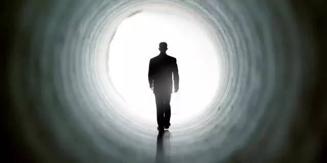 人死後生命不會結束?而會永遠活下去?