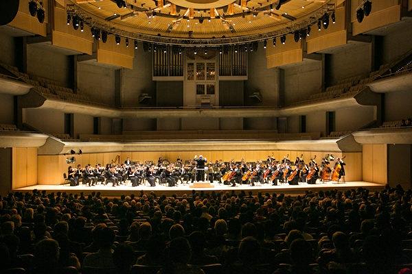 多伦多音乐界感受神韵交响乐强大能量 令人喜悦