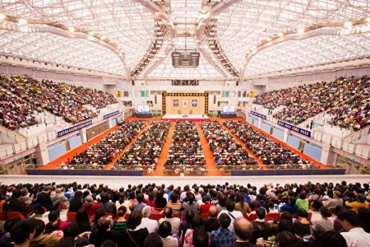 台湾法轮功7500人法会 学员分享修炼心得