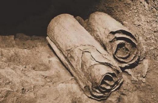 《死海古卷》记录:诺亚方舟的外形像一座金字塔