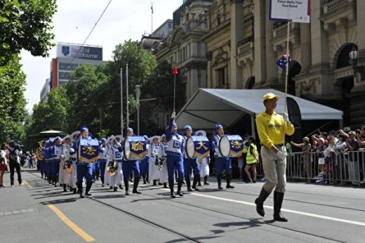 澳洲国庆日游行 法轮大法队伍最壮观