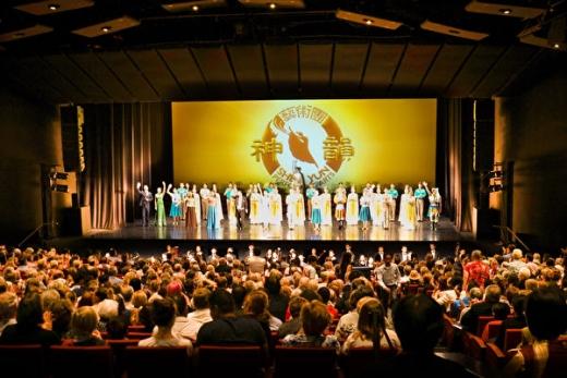 神韵堪培拉首场爆满 议员:精彩的艺术盛宴