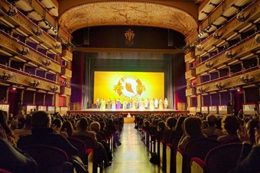 神韵佛罗伦萨爆满 王室贵族感受神性内涵