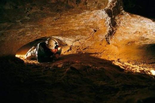 世界最長洞穴 200年探險無數 至今未測出長度